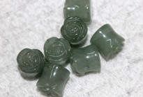 Green aventurine ear piercing jewelry,stone carved ear plugs 綠東陵耳塞